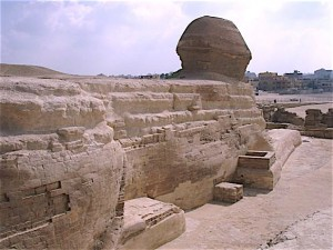1280px-Back_of_Sphinx_Giza_Egypt
